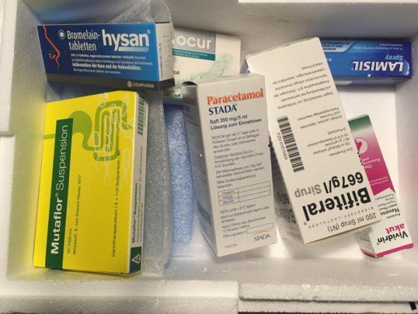 Paracetamol mit einer Solltemperatur von Minimum 8 Grad Celsius wurde einmal zusammen mit einem Kühlakku verpackt